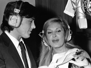 Alain Delon et Dalida enregistrant la chanson 'Paroles, Paroles' en 1973. Photo : telestar.fr