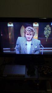 Edith Cresson à l'Assemblée pour son discours de politique générale